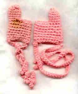 Baby_thumb_protectors_crocheted_1_2